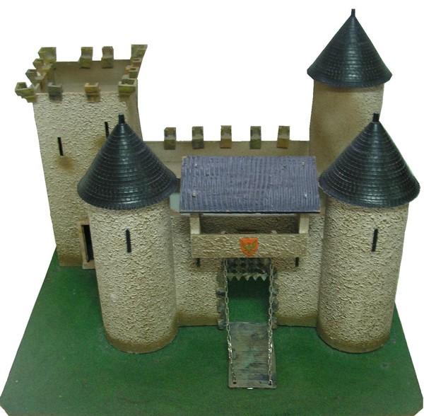 chateau fort. Black Bedroom Furniture Sets. Home Design Ideas