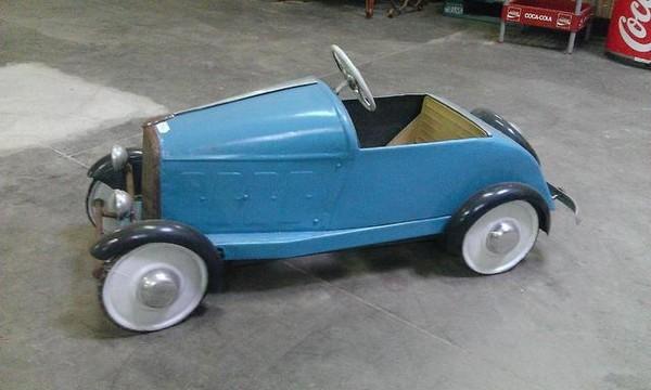 voiture a pedale ancienne le bon coin voitures. Black Bedroom Furniture Sets. Home Design Ideas